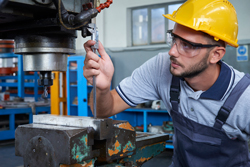 Male Quality Control Specialist Fixing Machine