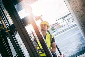 Important Qualities When Hiring a Forklift Driver