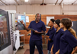 6 Easy Ways to Land a Manufacturing Job